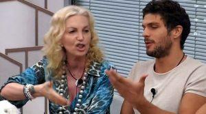 Mega lite fra Elia e l'estetista d'Aragona(video)
