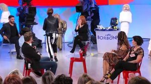 Trono over Luisa muppet Show(Video)