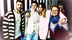 Fabrizio Corona Natale in famiglia(Video)