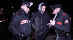 Fabrizio Corona aggredito da pusher al boschetto di Rogoredo
