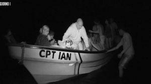 Subito dopo la diretta, i naufraghi fanno sbarco sulle due isole