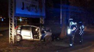Schianto auto contro albero: morto 26enne, grave l'amica