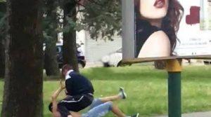 CHOC A MARGHERA Giovane picchiato sotto gli occhi dei passanti
