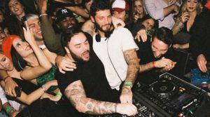 Belen e Stefano complici in discoteca a Milano