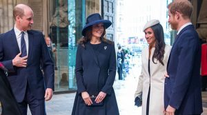 Meghan Markle e Harry lasciano Buckingham Palace