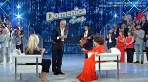 Mara Venier sbeffeggia Pamela Prati con Teo Caltagirones