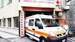 Bambino di due anni muore dopo cinque ore in auto al sole